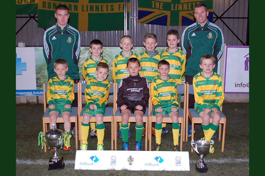 Runcorn Linnets Junior Football Mixed Green Under 12s Team Photo